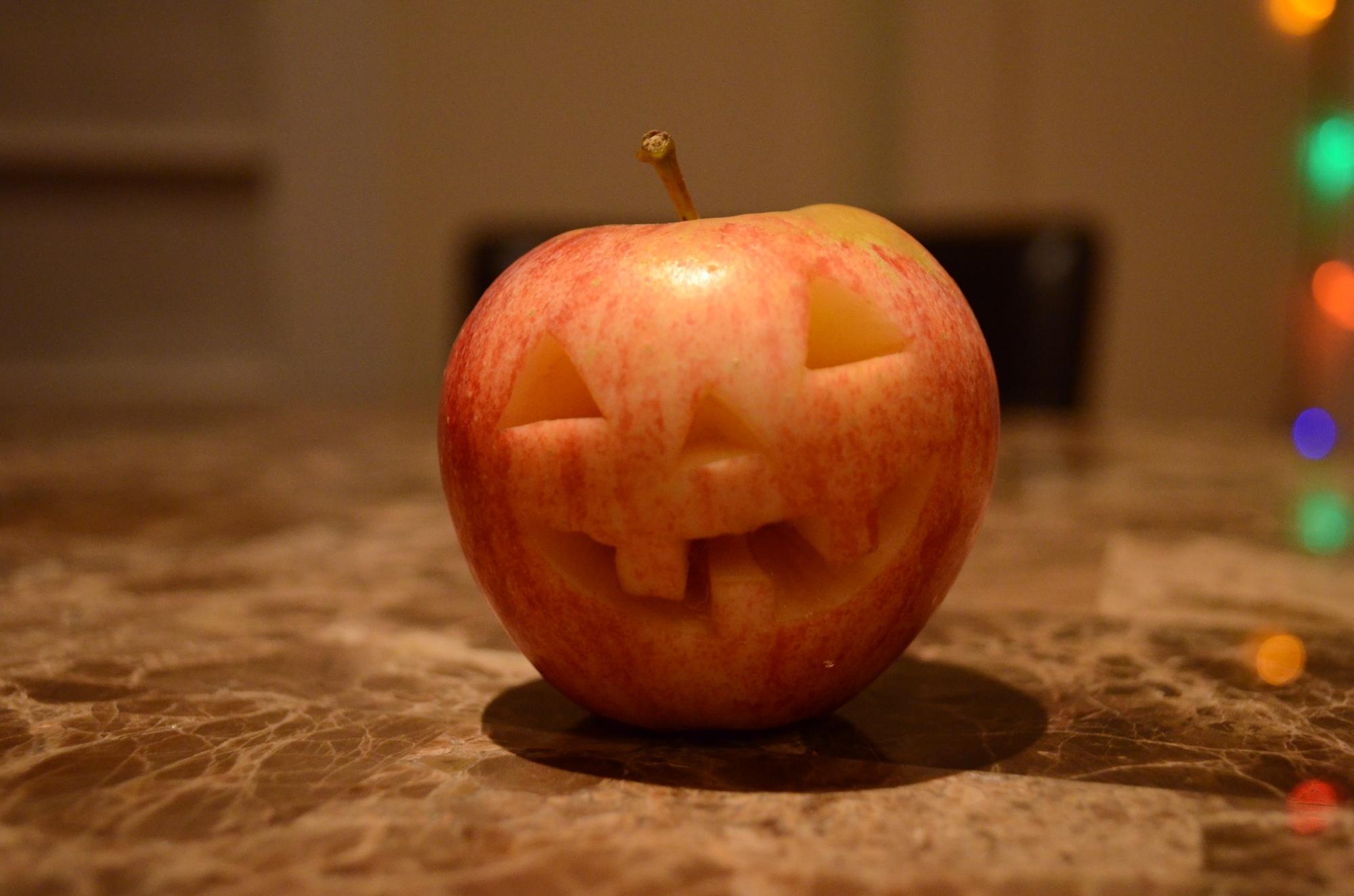 Halloween apple